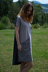 Šaty - Šaty úpletové s vreckom sivé - 10952784_