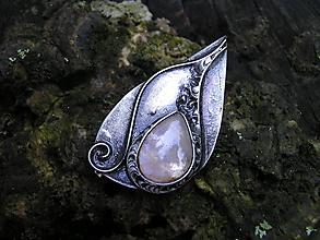 Odznaky/Brošne - Brošňa Mesačný kameň - 10950972_