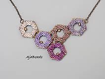 Náhrdelníky - Včelí náhrdelník - fialový - 10953183_