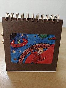Papiernictvo - Zápisník, poznámkový blok, ufo - 10953036_