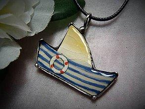 Náhrdelníky - keramika ..loďka.. - 10952203_