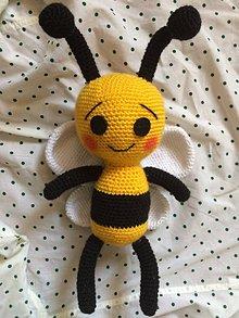 Hračky - Háčkovaná včielka - 10955731_