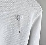 Odznaky/Brošne - Šlehačková brož na jehle - 10955506_