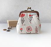 Peňaženky - Peňaženka s rámom Malé kvietky na smotanovej - 10955866_