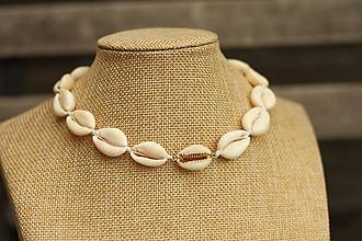 Náhrdelníky - Choker náhrdelník z prírodných mušlí - 10955026_