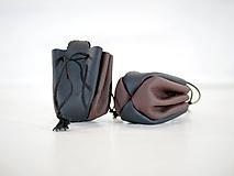 Peňaženky - Kožený mešec - zošívané - čierny s hnedou a čiernou šnúrkou - 10959843_