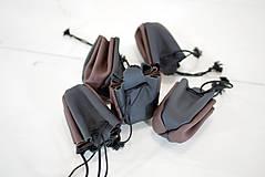 Peňaženky - Kožený mešec - zošívané - čierny s hnedou a čiernou šnúrkou - 10959846_