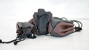 Peňaženky - Kožený mešec - zošívané - čierny s hnedou a čiernou šnúrkou - 10959847_