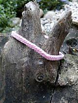 Ružový náramok