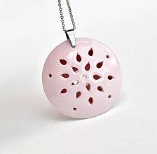 Náhrdelníky - Z růžového porcelánu... - 10963220_