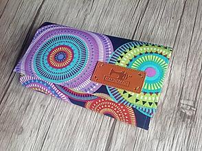 Peňaženky - Peňaženka farebné mandaly s kľúčenkou - 10960270_