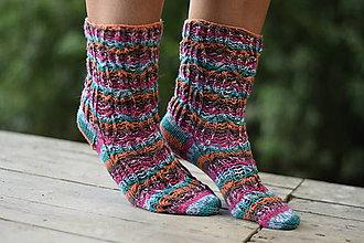 Obuv - s dierkovaným vzorom s Pravej ponožkovej (v.38-39) - 10962704_
