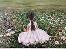 Obrazy - Dievčatko sediace na lúke - 10965014_