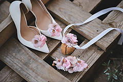 Obuv - Kvetinové klipy na topánky - 10967563_