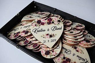 Darčeky pre svadobčanov - Darčeky pre svadobčanov - magnetky v tvare srdiečka - 10967700_