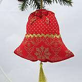 Úžitkový textil - SIMONA - Zlaté vločky a bodky na červenej - zvonček 13x13 - 10967141_