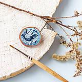 Odznaky/Brošne - Ručně malovaná brož s velrybou - 10969118_