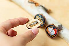 Odznaky/Brošne - Ručně malovaná brož s velrybou - 10969119_