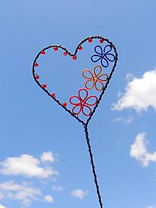 Dekorácie - kvitnúce srdce....zápich - 10970480_