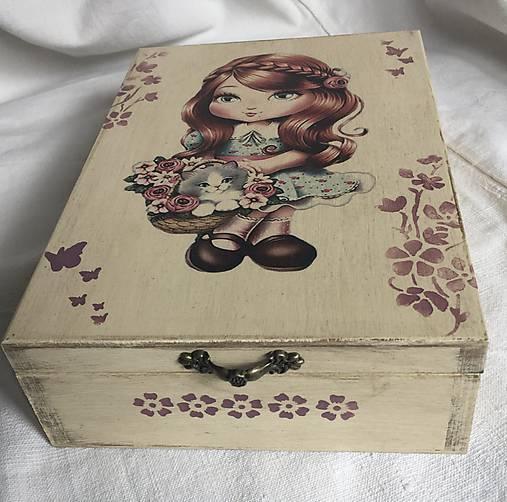 dievčatko krabička