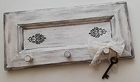 Nábytok - Vintage vešiak na stenu - 10969263_
