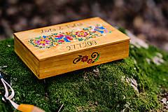 Krabičky - Drevená krabička na fotky s USB, folk dizajn - 10970330_