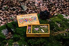 Krabičky - Drevená krabička na fotky s USB, folk dizajn - 10970331_