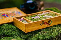 Krabičky - Drevená krabička na fotky s USB, folk dizajn - 10970334_