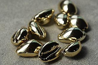 Minerály - 50% Kauri mušle zlaté s dierkou, z 4 na 2€€/10ks - 10968980_