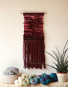 Dekorácie - PLUM GARDEN Ručne tkaná vlnená tapiséria - 10972118_
