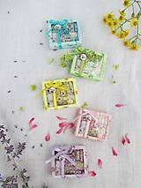 Hračky - Mini balíček prírodnej kozmetiky pre Barbie - 10972150_