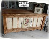 Nábytok - Obrovská truhlica