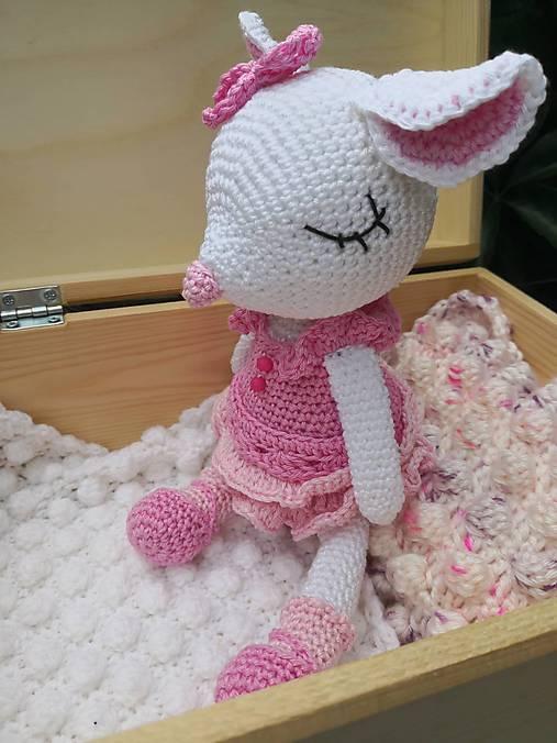 myška Maša v krabičke