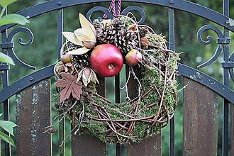 Dekorácie - Prírodný venček s jabĺčkom - 10976396_