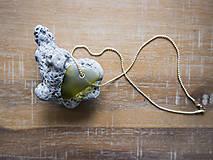 Náhrdelníky - Sklenený prívesok - 10976064_