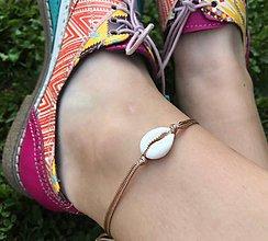 Náramky - VÝPREDAJ - náramok na nohu s mušľou - 10973978_