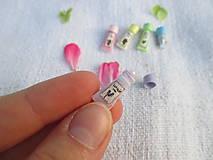 Hračky - Mini balíček prírodnej kozmetiky pre Barbie - 10976419_