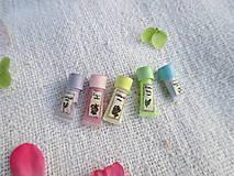 Hračky - Mini balíček prírodnej kozmetiky pre Barbie - 10976421_