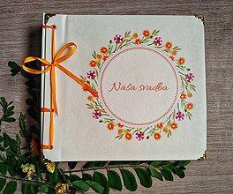Papiernictvo - Fotoalbum klasický, papierový obal so štruktúrou plátna a ľubovoľnou potlačou (Fotoalbum klasický, papierový obal so štruktúrou  a  potlačou kvetinového venčeka) - 10976326_