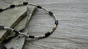 Šperky - Pánsky náhrdelník okolo krku drevený - 10975825_