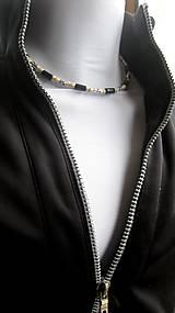 Šperky - Pánsky náhrdelník okolo krku drevený - 10975829_