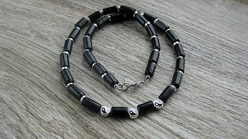 Pánsky náhrdelník okolo krku drevený jin-jang, č. 2830