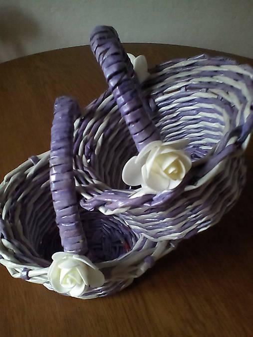 Košíčky fialkovo biele