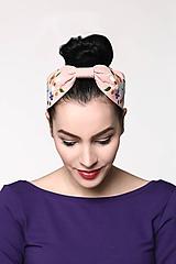 Ozdoby do vlasov - Čelenka bledo ružová vyšívaná - 10977870_