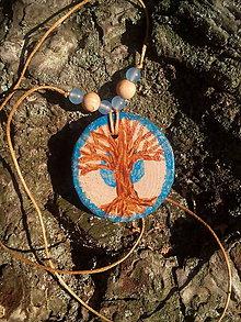 Náhrdelníky - Magický strom (drevený medailón) - 10980262_