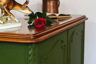 Nábytok - Zelená komoda s dvierkami - 10978164_