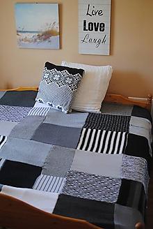 Úžitkový textil - Šedo čierno biela prikrývka na posteľ - 10980643_