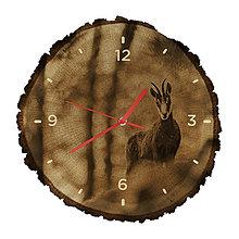 Hodiny - Drevené hodiny Kamzík vrchovský (Červené ručičky) - 10983742_