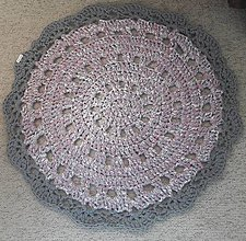 Úžitkový textil - Hačkovaný koberec - 10985698_