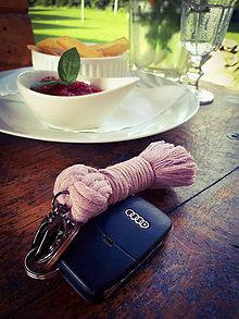 Kľúčenky - Macrame kľúčenka - 10985601_